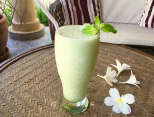 Pineapple Mint Smoothie With Added Calcium & Collagen