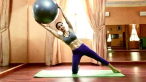Awesome Side Work Using The Big Stability Ball